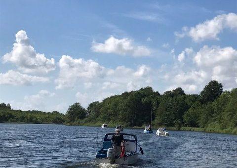 Paul havde inviteret til lær søen at kende tur.